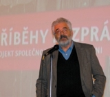Ředitel Židovského muzea v Praze Leo Pavlát při slavnostním zahájení projektu Příběhy bezpráví v pražském kině Světozor